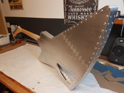 Explorer guitar in aluminium 002.jpg